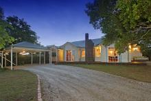 Equestrian property for sale Emerald Victoria 3782